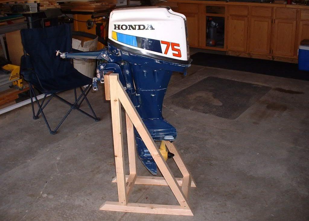 Как хранить лодочный мотор зимой